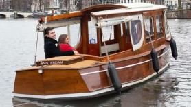 THE STARLET 1921 SALOON CLASSIC LAUNCH BOAT. Max 6 passengers Private cruise! 1