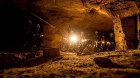 Mountainbiken door de grotten 1