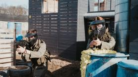 Covid-19 Airsoft skirm boven 27 2
