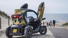 Dune, Beach & City GPS Tour / 120 minutes / 1 Renault Twizy, suitable for 2 people 1